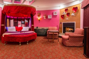 Sweetheart Theme Suite With Hot Tub And Fireplace